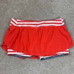 Lululemon red and white seawheeze skirt sz 10